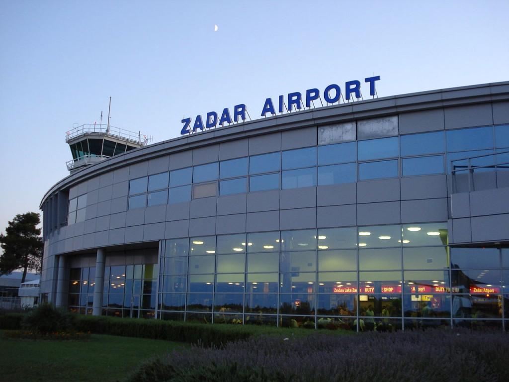 1280px-Zadar_airport_terminal_croatia